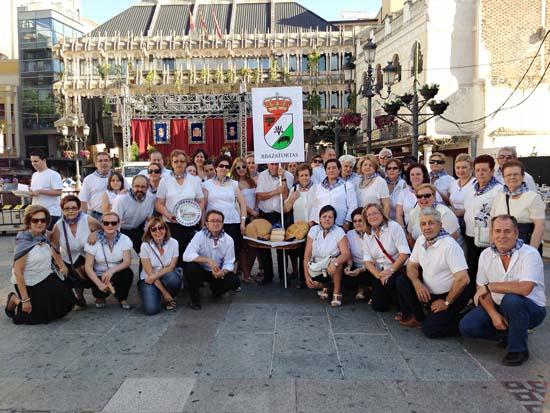Integrantes de la delegación torteña que se desplazó, invitada, a La Pandorga capitalina