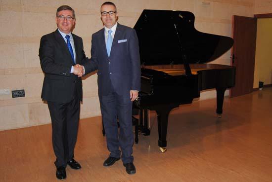 Marín se reúne con el director del Conservatorio Superior de Música 2