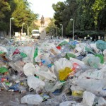 Ciudad Real: Los operarios municipales se afanan en borrar las huellas del macrobotellón pandorguero