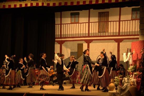 Actuación Escuela Folklore