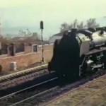 Excepcional vídeo: Puertollano, 1970. El correo Badajoz-Madrid llega con el resuello de un gigante