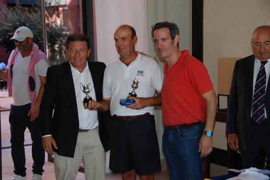 José Antonio García Cañizal recibe el premio de José María Orozco y Manuel de la Guía