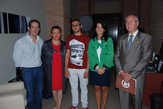 María Jesús Pelayo y Manuel de la Guía con miembros de Afoprocam