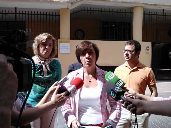 Rosa Melchor, ante los medios de comunicación