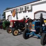 28 tractores antiguos recorren las calles de Daimiel