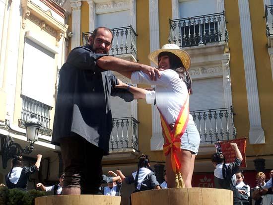herencia pisa uva alcalde y reina fiestas