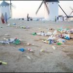 """Más """"polémica yeyé"""" en Campo de Criptana: IU acusa al Ayuntamiento de permitir que el botellón ensuciara la mítica sierra de los molinos (BIC)"""
