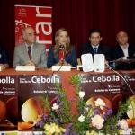 AMFAR anima a Bolaños de Calatrava a celebrar una feria profesional de la cebolla