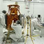 El satélite de Puertollano se entrena para asomarse a las puertas del cosmos