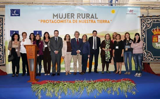Esteban inaugura la II Feria Mujeres rurales emprendedoras de CLM2