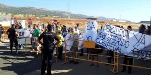 Concentración de protesta durante la visita de Cospedal, el pasado 8 de octubre