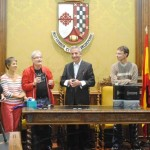 El alcalde de Valdepeñas recibió a una treintena de ciudadanos de Cognac, ciudad hermanada