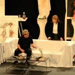 ¡Vaya Cirio! de Manzanares expone sobre las tablas del Teatro de Argamasilla de Alba el drama de un escultor en crisis existencial y creativa