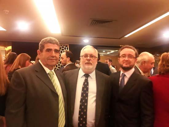 Emilio Mozos, Miguel Arias Cañete y Pablo Toledano, en la presentación oficial de DCOOP