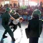 La Guardia Civil se acerca a los escolares de Argamasilla de Alba mediante charlas y una exhibición de procedimientos
