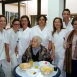 El Ayuntamiento de Calzada de Calatrava felicita a una vecina centenaria en el día de su cumpleaños