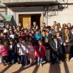 El ex alcalde de Puertollano Casimiro Sánchez Calderón explica la importancia de la Constitución a los niños de Villamayor de Calatrava