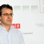 Del Valle (PSOE) hace balance de la situación del empleo desde que gobierna Cospedal y califica de «fiasco» la Ley de Emprendedores
