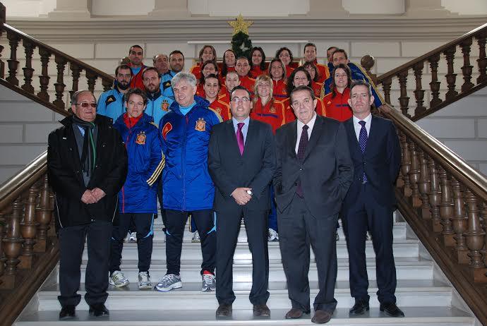 La selecci n espa ola de f tbol sala femenino es recibida for Federacion espanola de futbol sala