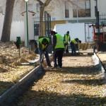 El Parque del Polígono de Manzanares mejora sus paseos con un plan de empleo