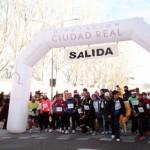 La San Silvestre carrionera  congrega a más de 200 corredores disfrazados que afrontaron el frío con humor