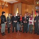 Las Cortes entregan una placa conmemorativa al autor del escudo de Castilla-La Mancha