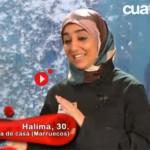 Ciudad Real: La activista de la PAH Halima Moucid se cuela en el programa de Cuatro «Deja sitio para el postre»