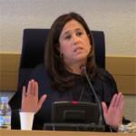 """La alcaldesa de Ciudad Real aguanta incólume el rapapolvo de la oposición por su """"autoenchufe"""" en el Centro de la Mujer"""