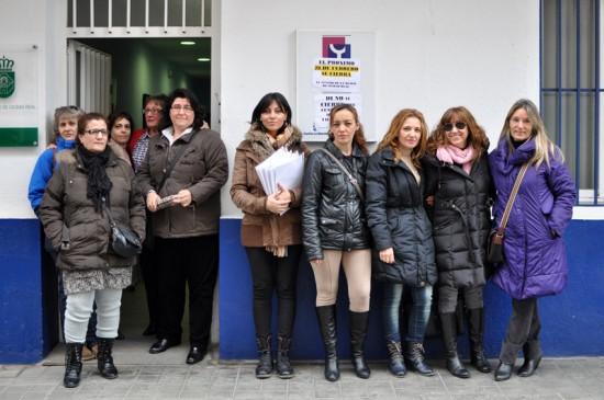 Usuarias y trabajadoras en el Centro de la Mujer