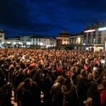 Alcázar de San Juan: Miles de personas alzando manos azules reciben a los miembros de la Plataforma por el Agua