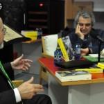 Un Rivero belígero presenta su novela 'Primavera y niebla', un tratado sobre la guerra moderna