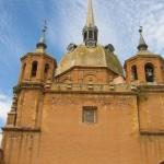 Vecinos de San Carlos del Valle urgen al Obispado a cambiar a su párroco tras negar tres veces la comunión a una mujer