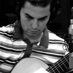 """El puertollanense Adrián Fernández Arcediano lanza su nuevo disco """"Voces sobre la guitarra"""" con versiones de grandes clásicos"""