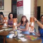 AMFAR Bolaños inicia un curso de artesanía popular entre las mujeres rurales centrado en la decoración de tejas antiguas