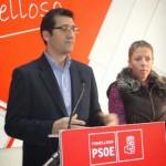 Caballero (PSOE) presenta en Tomelloso el servicio de asesoramiento gratuito a los dependientes