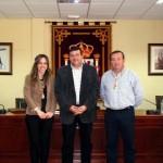 La nueva concejal de Festejos, la popular María José Castillo, y el nuevo edil socialista, Agustín Bustamante, tomaron posesión en el pleno de marzo de Calzada de Calatrava