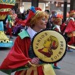 Vídeo y galería de fotos del Domingo de Piñata de Ciudad Real: 'La baraja española' de Arco Iris Huerta se lleva el arlequín de oro a Toledo