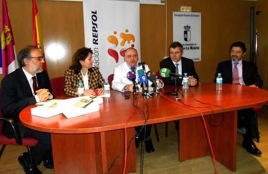 Presentación de la iniciativa en el salón de actos del hospital.