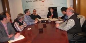 Reunión de la alcaldesa con trabajadores y sindicalistas de Elcogas (archivo)