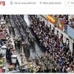 Recogen firmas contra la jura de bandera civil que tendrá lugar en Manzanares