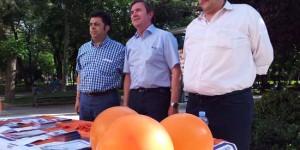 De izquierda a derecha, Flox, Montealegre y Rivera