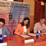 Ciudad Real: La alcaldesa presenta un plan de promoción del comercio con bonificaciones y una nueva tarjeta de zona azul para comerciantes