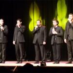 El divertido espectáculo del grupo B-vocal deleitó al Teatro Ayala
