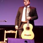 Ricardo Fernández del Moral: derroche de voz y maestría con las seis cuerdas en Daimiel