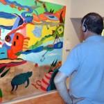 El Patio de Comedias de Torralba de Calatrava acoge la singular exposición pictórico-musical de la ciudadrealeña Olga Alarcón