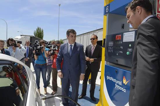 Gas natural fenosa presenta una nueva estaci n de gas para for Oficina gas natural fenosa guadalajara