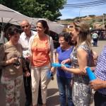 Rosa Romero y Lola Merino piden el voto para el PP en el mercadillo de Horcajo de los Montes