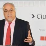 El PSOE de Manzanares denuncia que el Centro de Mayores cierra dos tardes a la semana al no cubrirse la baja de una conserje