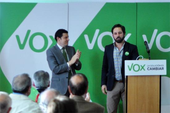 Luis Blázquez y Santiago Abascal en la presentación de VOX en Ciudad Real