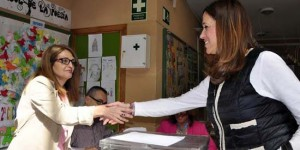 La alcaldesa de Ciudad Real, Rosa Romero, depositó su voto esta mañana